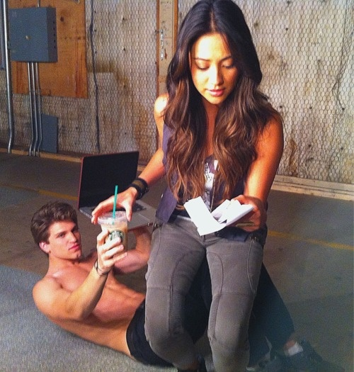 Toby could you hold my laptop and my starbucks coffe??! Being blackmailed by A is exhausting LOL!!!! So funny
