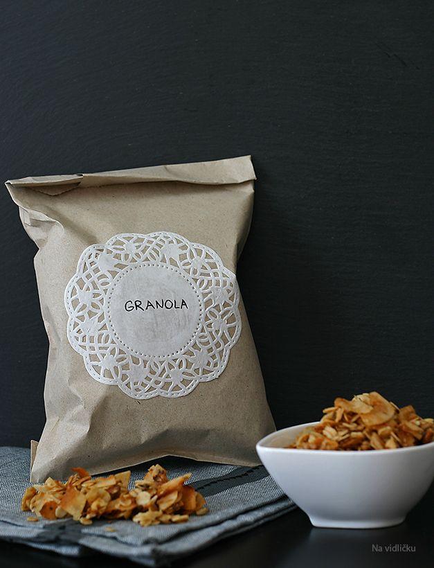 Nutty Granola / Ořechová granola   Na vidličku food blog