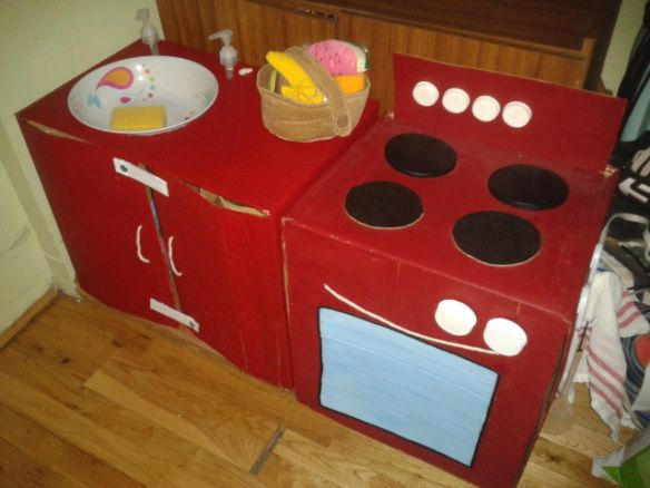 Cardboard kitchen sink and oven