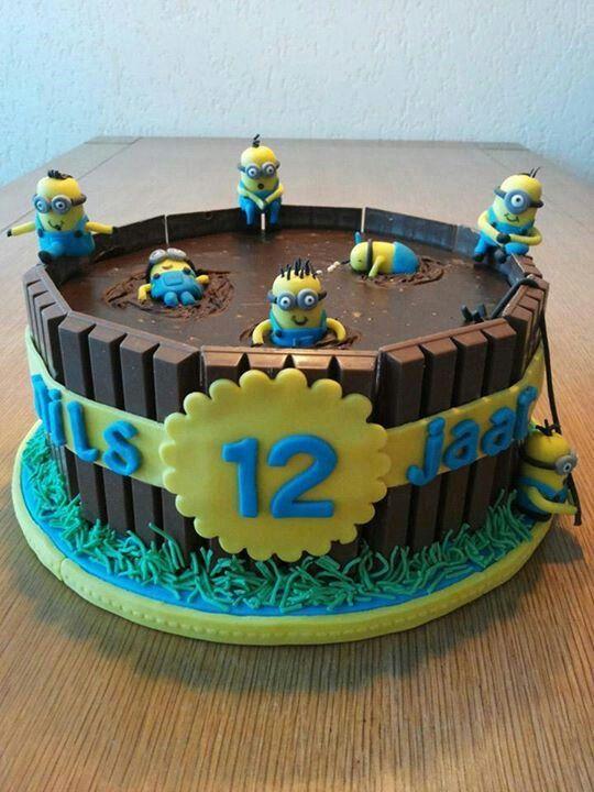 Original tarta para fiesta temática Minions. #pastel #Minions