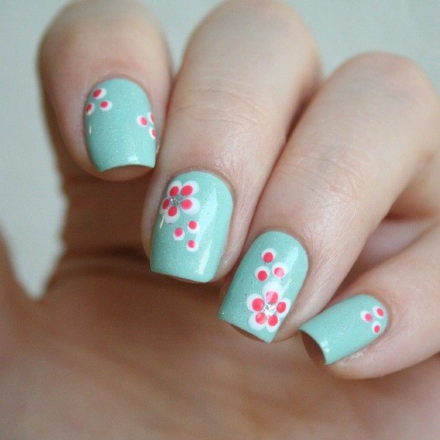 76 best Nail Art: Polka dot nails images on Pinterest | Polka dot ...