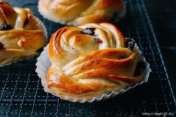 Вкусные и красивые булочки с изюмом