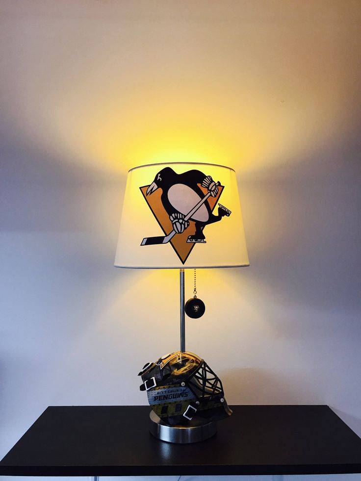 Best 25 Hockey Man Cave Ideas On Pinterest Hockey Room Boys Hockey Bedroom And Hockey Bedroom