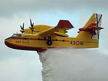 Avion bombardier d'eau  Canadair  CL-415