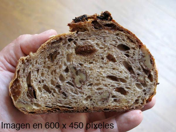 Pan de trigo, centeno pasas y nueces