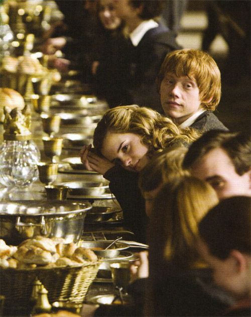 Hermione and Ron... this is so perfect