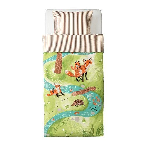 If I had a kid, this would be their bed!! VANDRING RÄV Duvet cover and pillowcase *