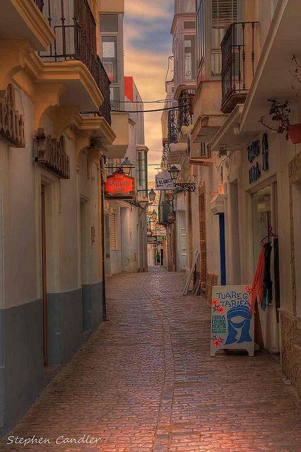 Narrow Tarifa Street by Light+Shade [spcandler.zenfolio.com], via Flickr