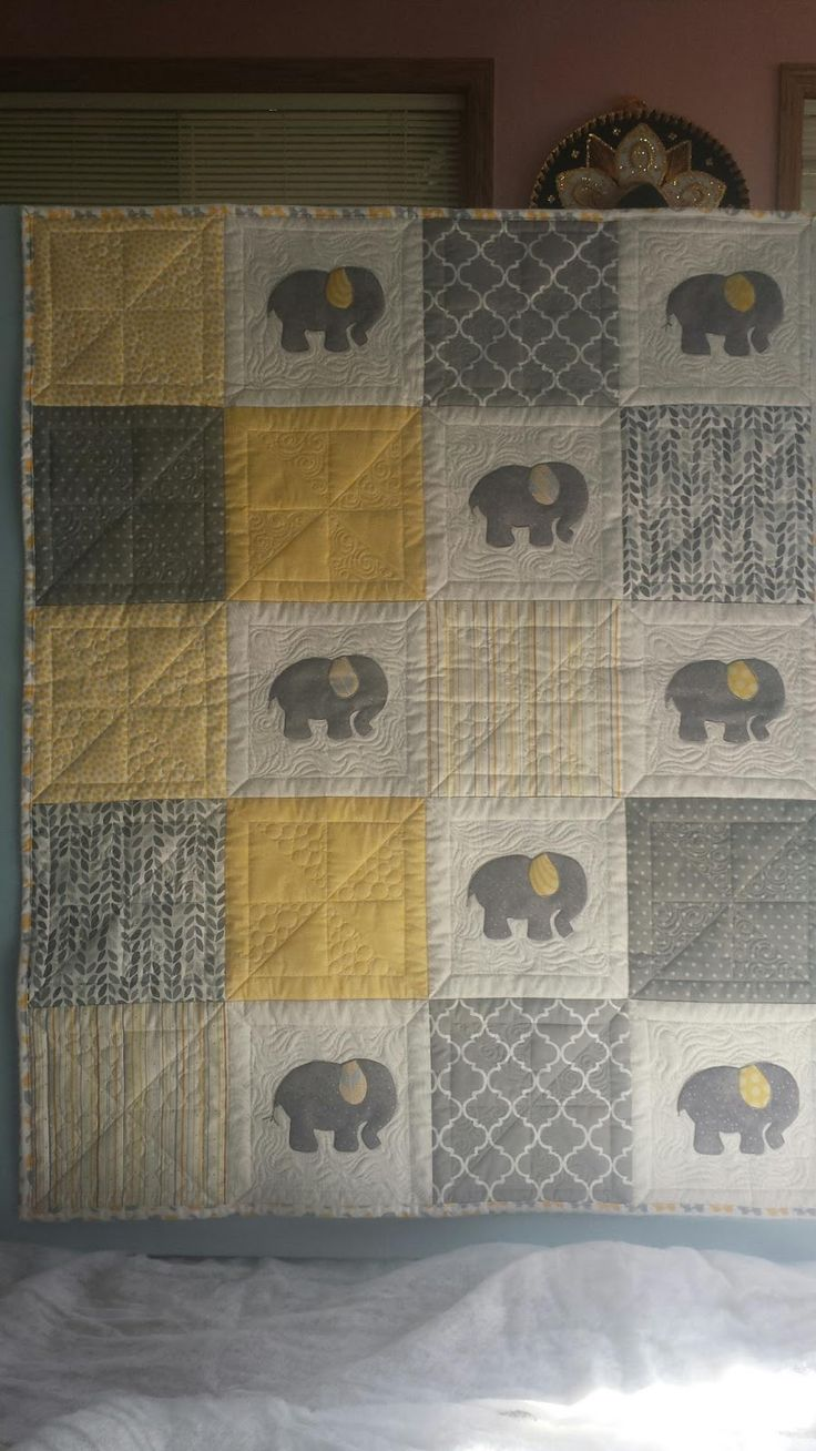 Seamingly Slawson Quilts: Elephant baby quilt