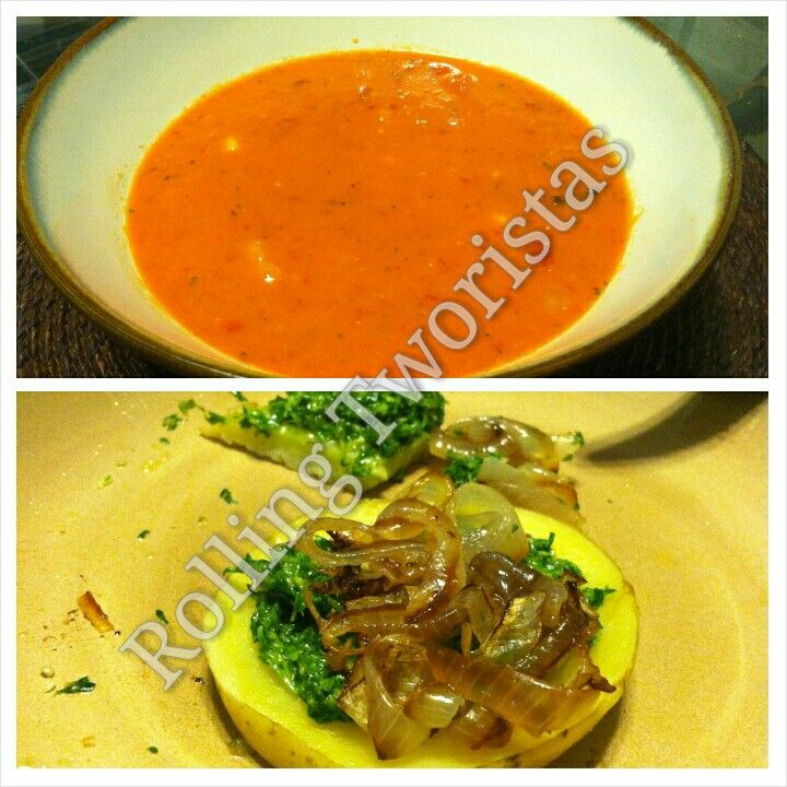 Nothing better than an Organic Vegan meal all homemade. #Watermelon #Gazpacho Baked #Potatoes on #caramelized #onions with #Parsley #Pesto #Homemade #Vegan #organic Gazpacho de #Sandía y #Papas cocinadas encima de rodajas de #Cebolla q se caramelizan. Y pesto de #Perejil. Todo #HechoEnCasa #Orgánico #Vegano #BuenProvecho #RollingTworistas