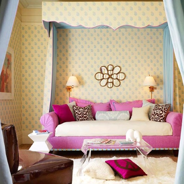 Small Cozy Bedroom For Girls Bewitching Pink Wallpaper In: 89 Best Images About Girls Bedroom On Pinterest