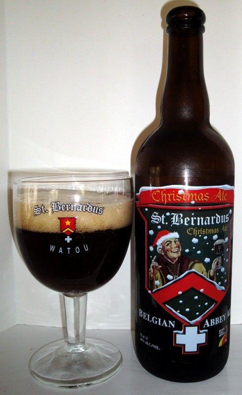 Cerveja St. Bernardus Christmas Ale, estilo Belgian Dark Strong Ale, produzida por St. Bernard Brouwerij , Bélgica. 10% ABV de álcool.
