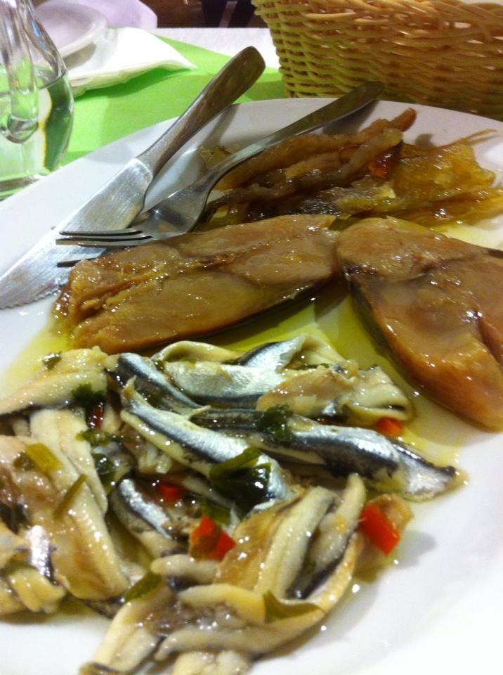 Λακέρδα, λιόκαφτο και γαύρος μαρινάτος,Epicuros