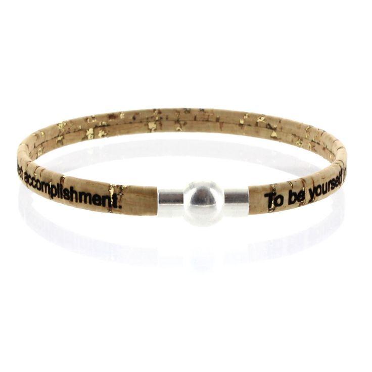 LIEBLINGSMENSCH Gravur Korkarmband 0,5 cm mit Kugel-Magnetverschluss.  Angenehm weiches Korkarmband.  Speziell für Sie hergestellt.  Der robuste Magnetverschluss aus Zamak hält das Band sicher am Arm fest.  #Kork #Armband #Lieblingsmensch #Geschenk #Mann #Frau #Familie #Liebe #Partner #Beziehung #Schmuck