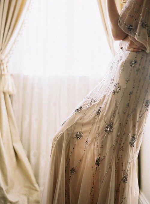 perles: Timeless Weddings Dresses, Vintage Weddings, Dresses Details, Fashion Beauty, Bridal Fashion, Sparkly Dresses, Weddings Dresss, The Dresses, Weddings Photo