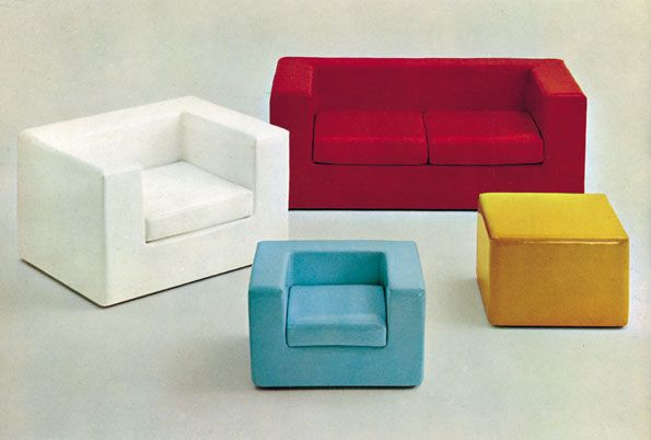 Throw-Away is the first padded item in which foam polyurethane has a structural function. It has neither wooden nor metal bearing frames, nor elastic belts, nor hardware, they are replaced by four blocks that are glued together and upholstered. New technologies, avantgarde materials and function merge for a conceptual evolution of the furnishing product.