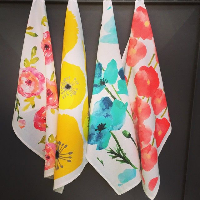 These #dishtowels are printed in #Australia for #thesourceproducts Almost too pretty to stay in the kitchen! #watercolour #trend #floralprints