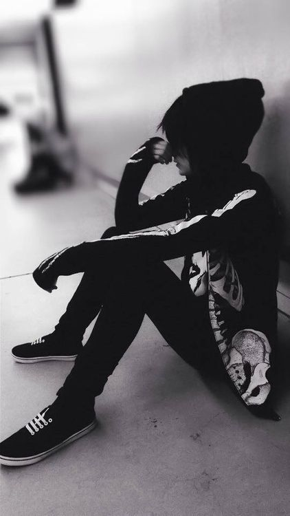 Hot Emo Boy.Enjoy more at my EMO BOY DIARY. Hot boy | Tumblr Ok if you wear this and u even have the hair. Also protective and Caring then Im yours