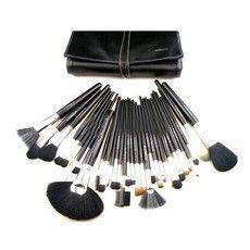 Kit com 32 pincéis de cerdas naturais e cerdas sintéticas. MAC.  Confira <3 http://www.violettshop.iluria.com/
