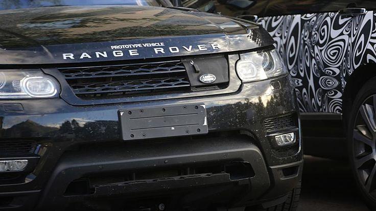 Il s'agit plus précisément d'une version Sport hybride rechargeable. Des photos du Range Rover Sport hybride Cela fait plusieurs mois qu'une version hybride rechargeable du Range Rover Sport a été évoquée par le constructeur automobile Land Rover. Il semblerait que la marque soit actuellement en train de tester ce nouveau modèle. C'est du moins ce que pensent savoir les journalistes du magazine automobile britannique Auto Express, qui ont publié un cliché de ce qui semble êtr...