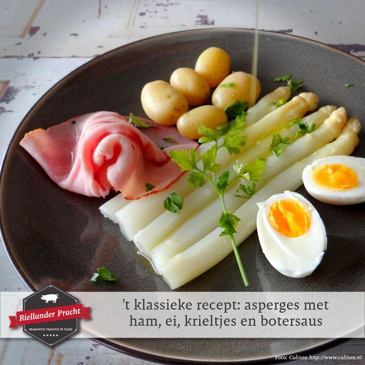 De lente is de tijd van het witte goud: asperges! Je hebt ze ongetwijfeld vast al een keer op de afgelopen tijd. Er zijn honderden lekkere recepten met asperges, maar voor de meesten blijft de klassieke manier het beste recept. 😋  Oftewel:  't Klassieke recept: Asperges met ham, ei, krieltjes en botersaus.  INGREDIËNTEN (4 personen) • 2 kg witte asperges (natuurlijk vers van de boer) • 1 kg krieltjes • 8 eieren • 1 bosje verse peterselie • 1 bosje verse bieslook • 125 gr roomboter • 200 gr…