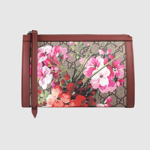 GUCCI Gg Blooms Small Cosmetic Case. #gucci #women's cosmetic bags