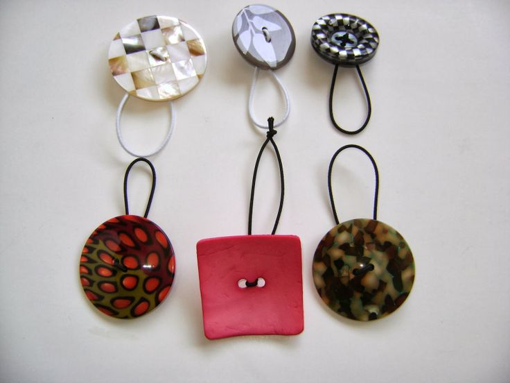 DIY Shawl Pin With Buttons