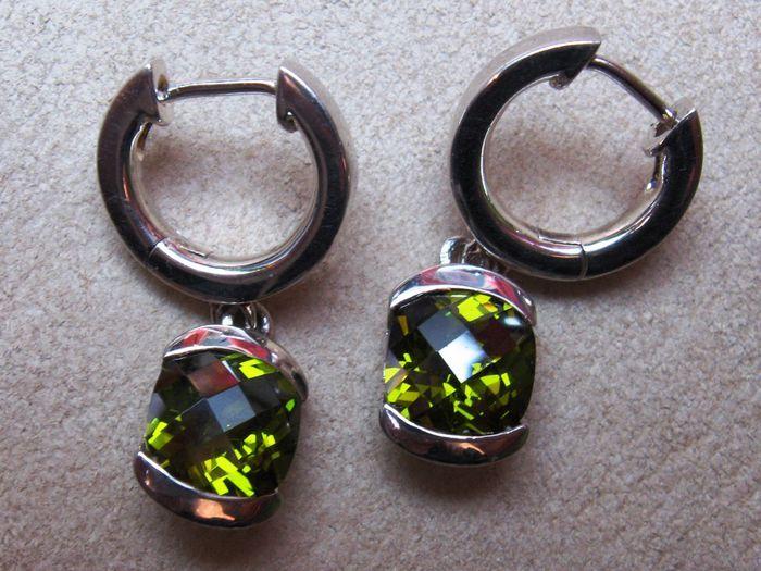 Online veilinghuis Catawiki: Zilveren  Quartz 2 karaat oorbellen