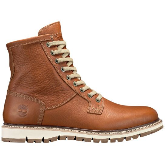 Shop Timberland's Britton Hill collection of men's waterproof leather boots to ensure you'll look good this season.