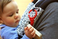 Pimp my Ergo - Ergo Carrier Teething Pads Tutorial  by www.thingsforboys.com