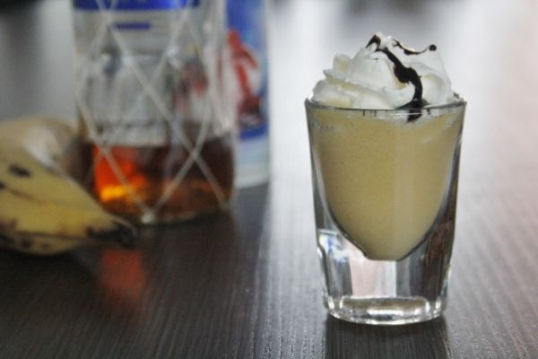 Bananasplit shot - Cocktailicious.nl