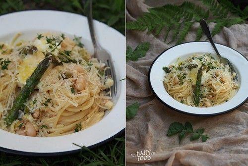 Спагетти с белой фасолью и спаржей