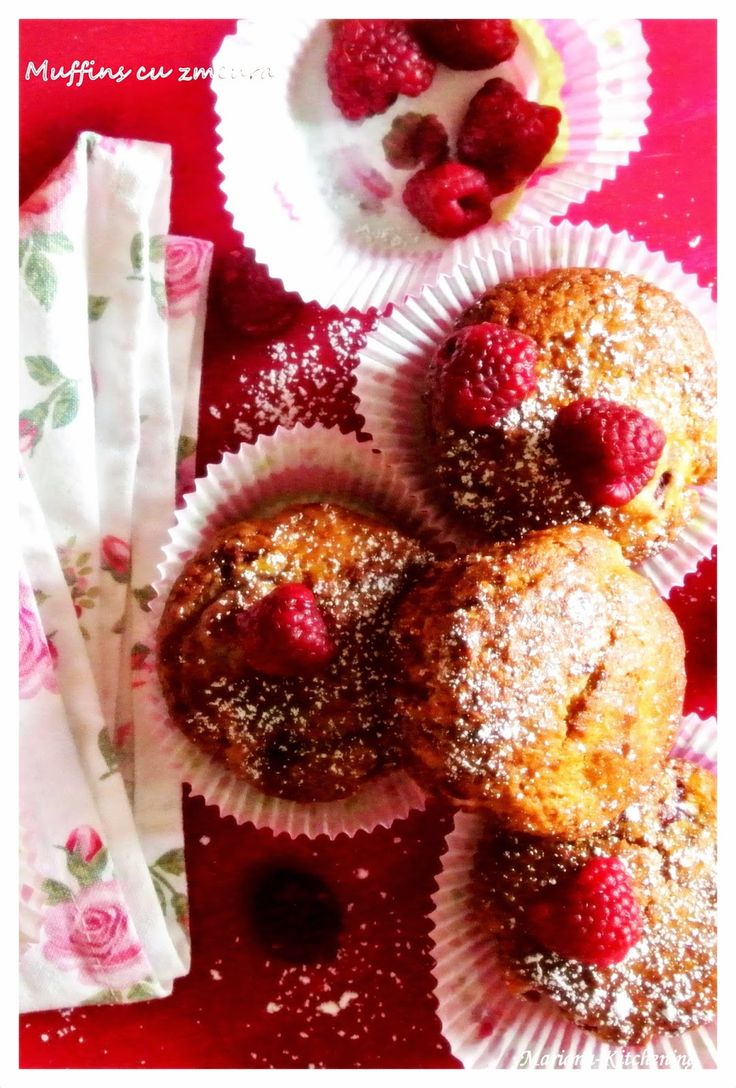 Kitchening: Muffins cu zmeură/ Raspberries muffins