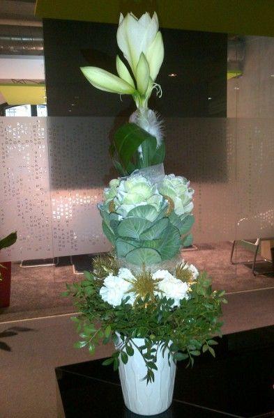 Tall centerpiece - Amarylis, brassica, Dianthus, Eryngium