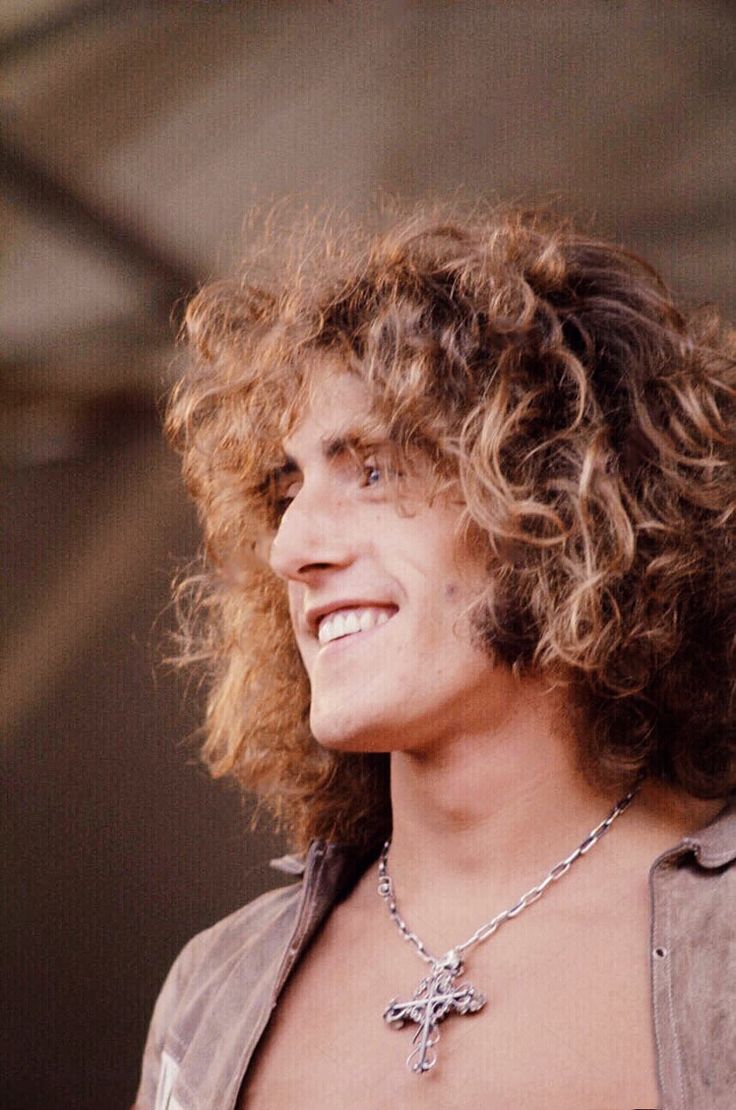 """firth-of-fiftysecondstreet: """" Roger Daltrey at the Isle of Wight festival 