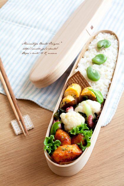 ・雑穀ご飯とそら豆のごはん ・鶏むね肉のオーロラソース炒め ・カリフラワーとタコの酢の物 ・黒ごまとキャベツの玉子焼き
