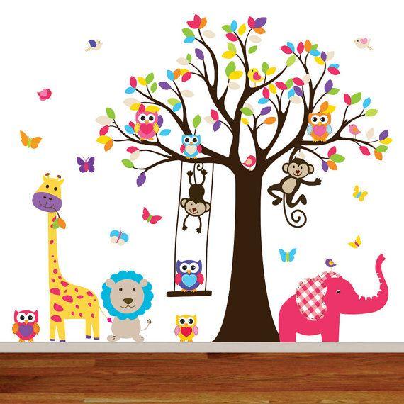 Che permettono di migliorare qualsiasi parete della scuola materna con questo set di decal giungla vinile luminoso e colorato, che comprende animali carino e moderni che saranno sicuramente a divertire il tuo bambino. {S I Z E} W: 65 H: 75 (quando applicato come illustrato) {W H A T - S - I N C L U D E D} * Albero con foglie * 7 uccelli * 5 gufi * 7 farfalle * swing * elefante * Leone * giraffa * 2 scimmie * passo dopo passo istruzione di applicazione {C H O O S E C O L O R} * sceglier...