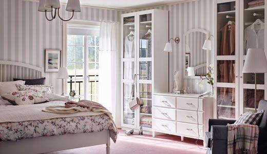 Camera Da Letto Shabby Chic Ikea : Doppelbett und kleiderschrank weiß serie tyssedal wardrobe room