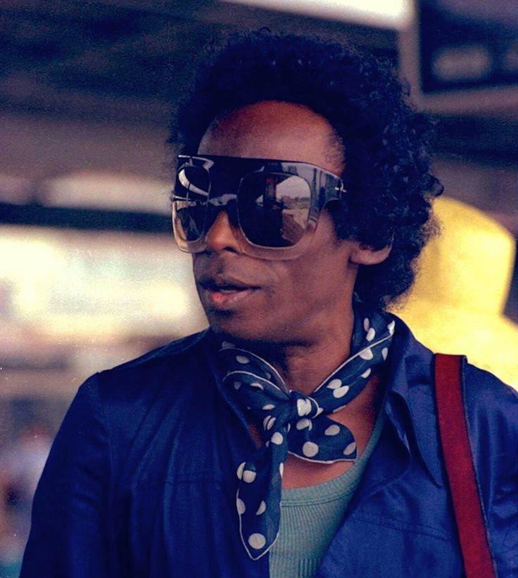 Fuck Yeah Miles Davis                                                                                                                                                     Más