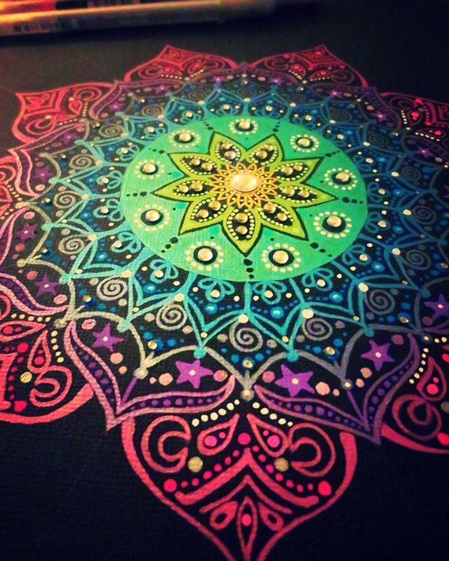 New metallic mandala in progress for my sisters birthday present..... lots of bling in this! #metallic #mandala #gellyroll #mandalas #mandalaart #arttherapy #present #birthday