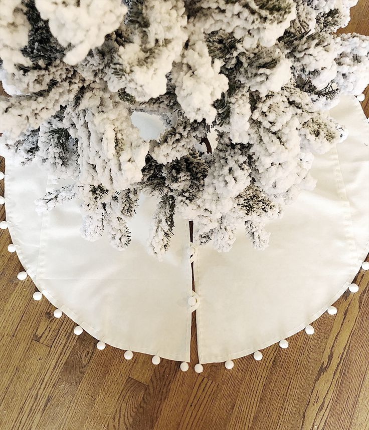 Today I'm sharing a MIY Christmas tree skirt with tassels. This is the perfect, simple way to dress up your tree... and for a fraction of the price!
