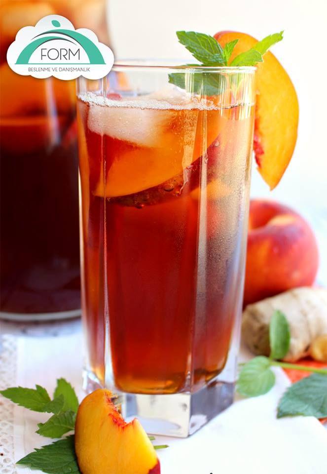 Evde kendi soğuk çayınızı kendiniz yapın!  İhtiyacınız olanlar: ½ kg #şeftali 1 su bardağı #siyahçay demi 6 şişe #madensuyu 2 adet #limon Bol miktarda #buz  Yapılışı: Şeftalileri yıkayıp çekirdeklerini çıkartın. Pürüz kalmayacak şekilde blender'dan geçirin.  Limonları sıkın. Bir sürahide çay, maden suyu ve iki limonun suyunu karıştırın. Üzerine şeftali püresini ve buzu da ekleyip son kez karıştırın.  #AfiyetOlsun  #formbeslenme #sağlıklıbeslenme #sağlıklıiçecek #sağlıklıyaşam #soğukçay