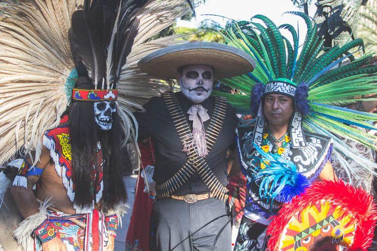 """seanhigby: """" Dia De Los Muertos // La Placita Olvera, Los Angeles, CA - 2 November 2014 """""""