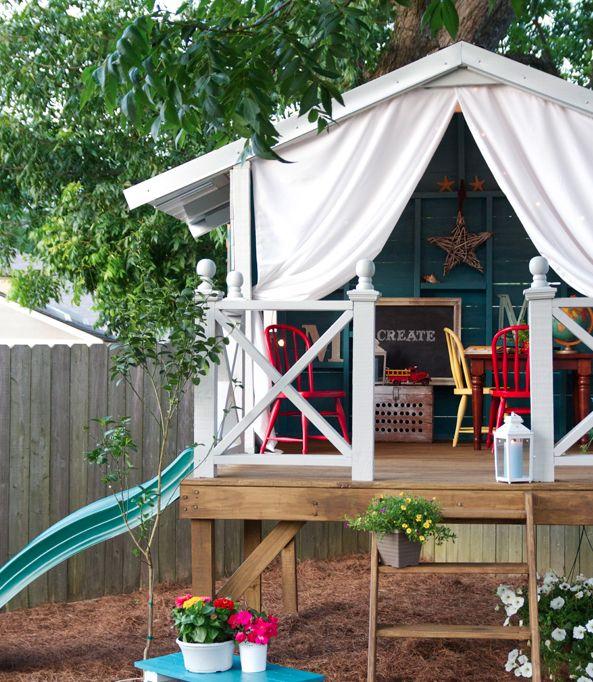 Yo quiero pero necesito el espacio  http://www.thehandmadehome.net/2012/06/a-handmade-hideaway/