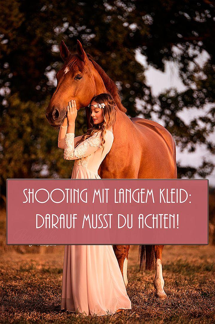 Du planst ein Pferdeshooting mit langem Kleid? Hier findest du alle Tipps und Tricks, damit du wundervolle Bilder bekommen wirst!