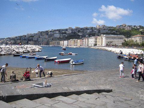 https://plus.google.com/107504580714257664926/posts/hSETcmihLpv lungomare Caracciolo , Napoli , immagini animate