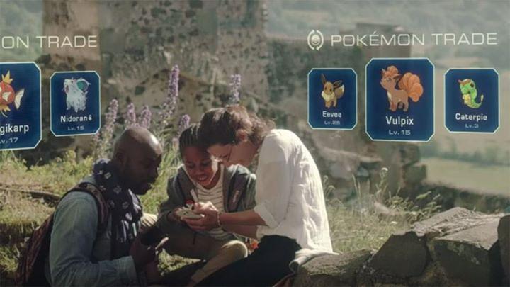 Hola, entrenadores.  Niantic revela los orígenes de Pokémon GO y adelanta el futuro del juego.  En la convención Animation on Display (AOD) de esta semana, Niantic asistió con un panel de Pokémon GO. Ese panel tuvo como anfitrión a David Hollin, del equipo técnico de arte y diseño. Hollin ha compartido algunos datos interesantes sobre el origen, planes a futuro y más.  Al principio en Pokémon GO, las Pokéballs se lanzaban presionando un botón. Los jugadores no tenían control sobre cuán lejos…