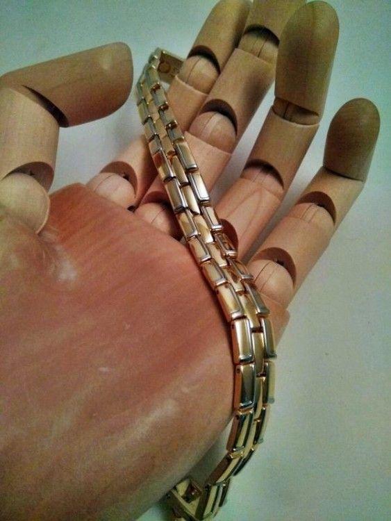 Уникальный магнитный браслет с позолотой из высококачественной медицинской стали.