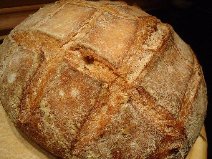 Öt perc a munka, harminc perc sütés, és már ott gőzölög az asztalon az írek mesés kenyere! #írkenyér #kenyérrecept