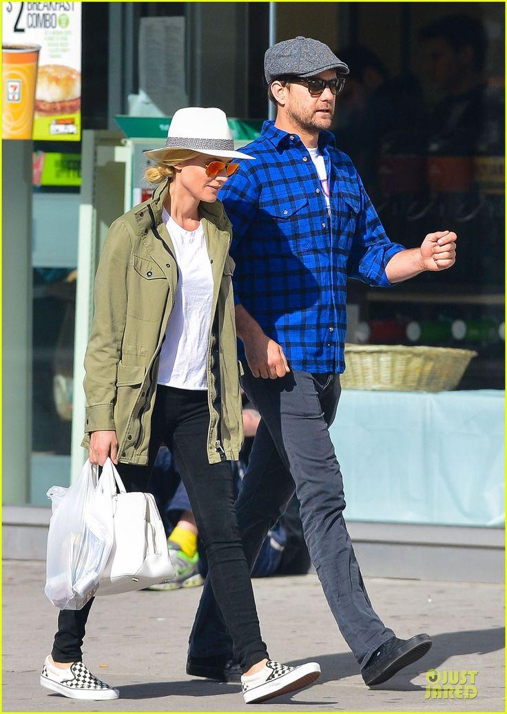 Diane Kruger & Joshua Jackson: East Village Shopping Couple! | diane kruger joshua jackson east village shopping couple 05 - Photo